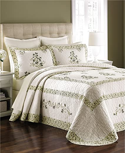 Amazon Com Martha Stewart Collection Abbey Garden Twin Bedspread