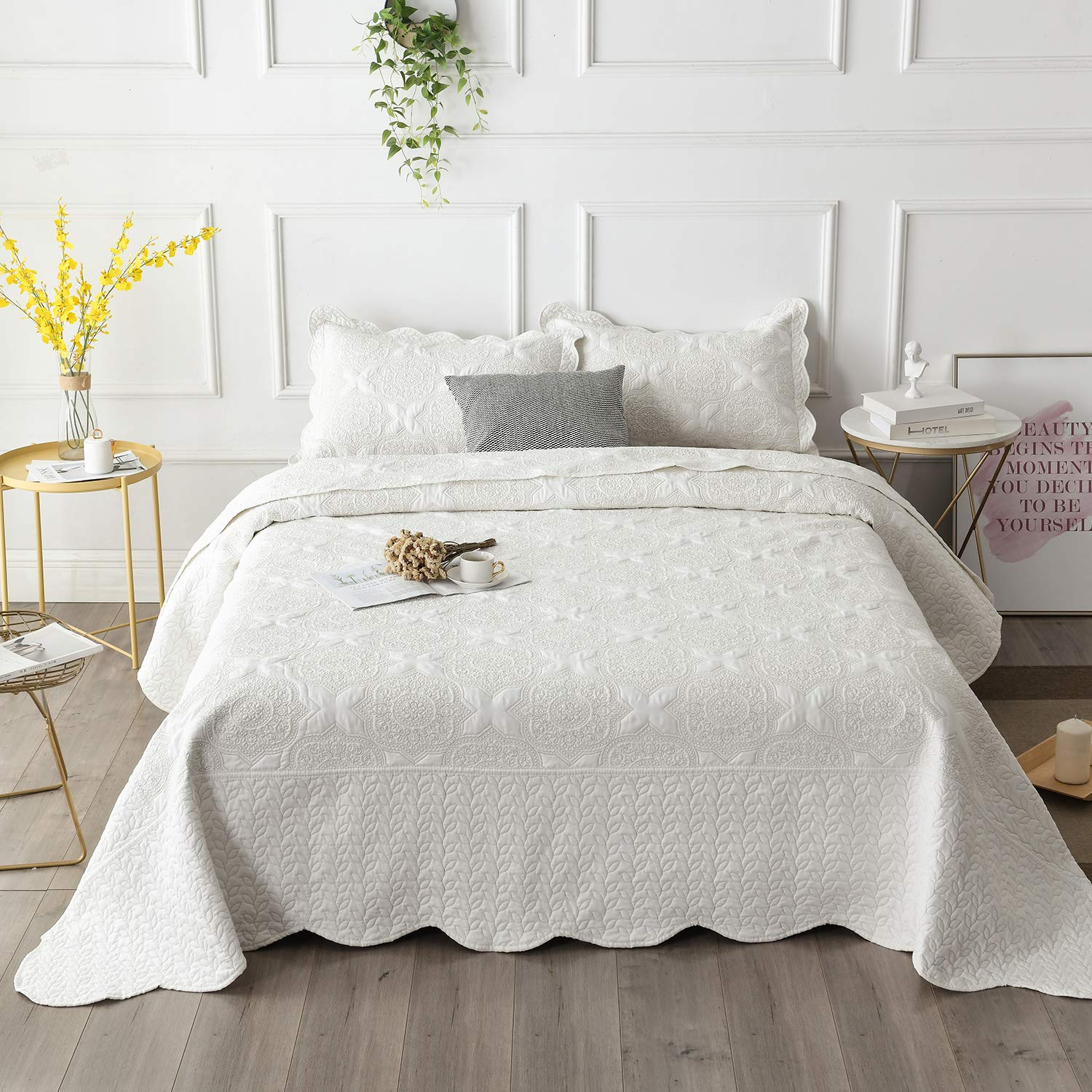 Brandream Farmhouse Bedding Cream White Quilt Set Queen Size Embroidery Bedspread Coverlet Set Vintage Bedding Collection