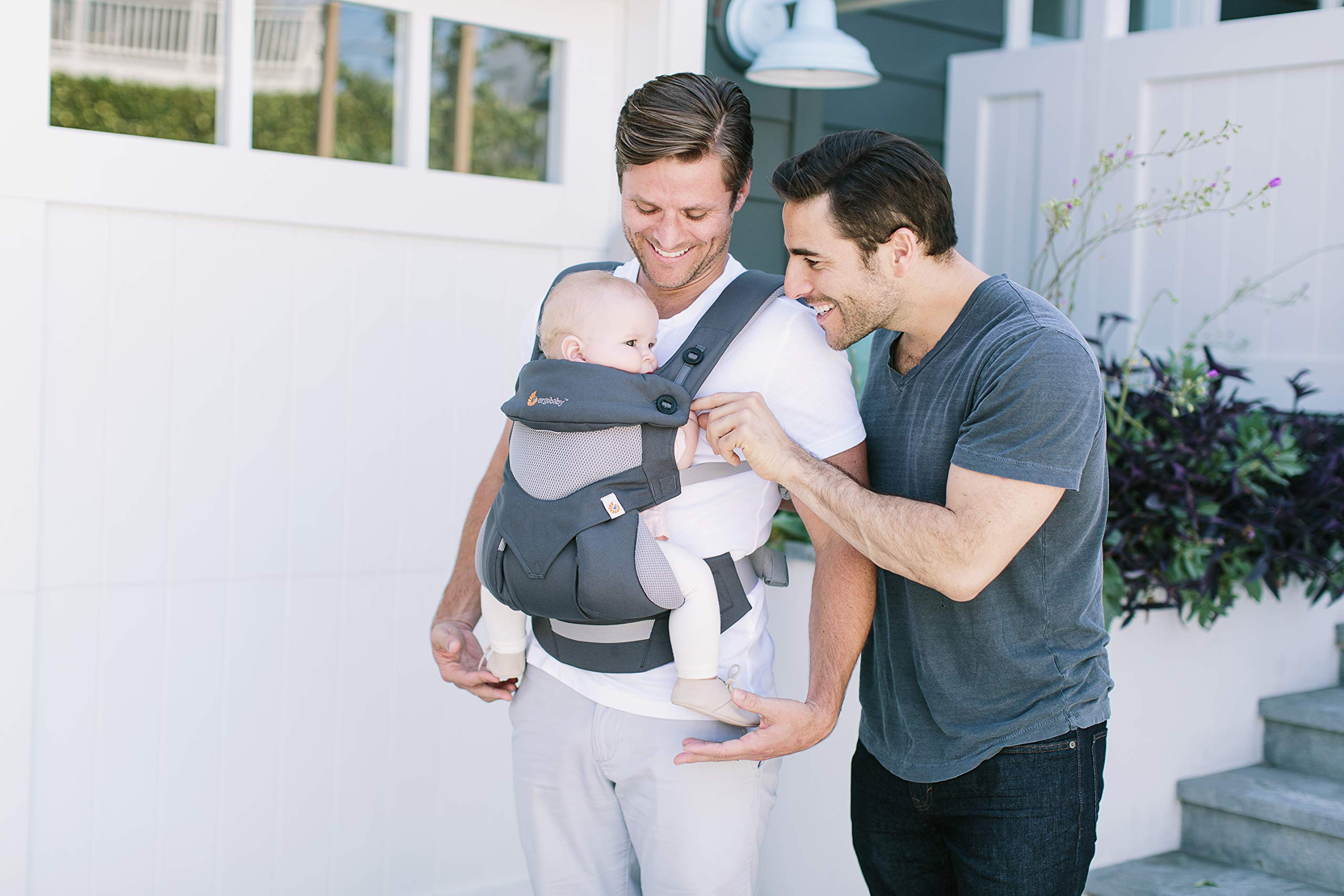 Ergobaby Carrier, 360 All Carry Positions Baby Carrier with Cool Air Mesh, Carbon Grey by Ergobaby (Image #7)