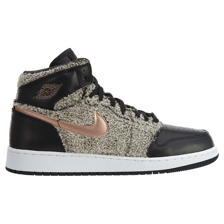 info for 6c0a3 f8e77 Amazon.com  NIKE Air Jordan 1 Retro High GG Mens Fashion-Sneakers 332148   Jordan  Shoes