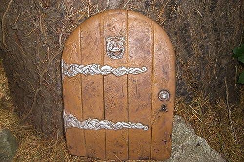 LARGE GARDEN FAIRY/HOBBIT DOOR IDEAL FOR GARDENS AND BOTTOM OF TREES
