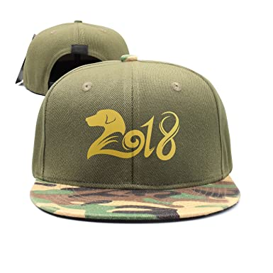 367423bdf1b Dog of The 2018 Chinese New Year Labrador Retriever Unisex Adjustable Flat  Bill Punk Fitted Hat Fashion 2018 Camo at Amazon Men s Clothing store