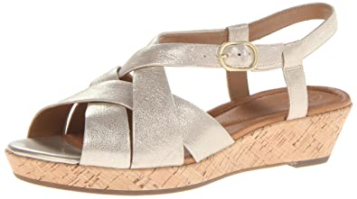 clarks artisan gold sandals