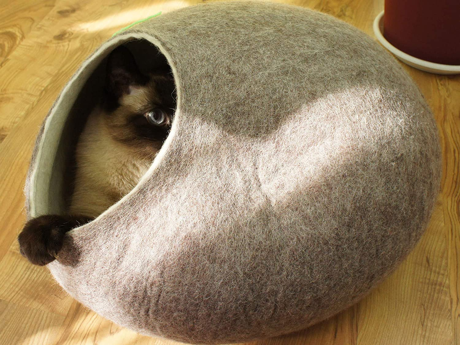 Brown Cat House, Bed, Cave. Handmade. Felted. Natural Sheep Wool. Size L (large) (brown)