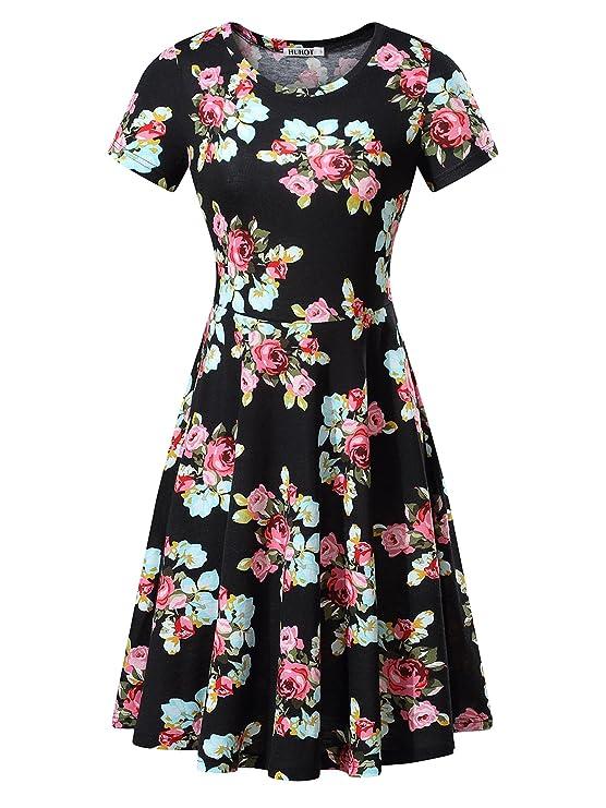 466c4364a HUHOT cuenta con un vestido floral hecho en 95% algodón y 5% spandex. Tiene  mangas cortas