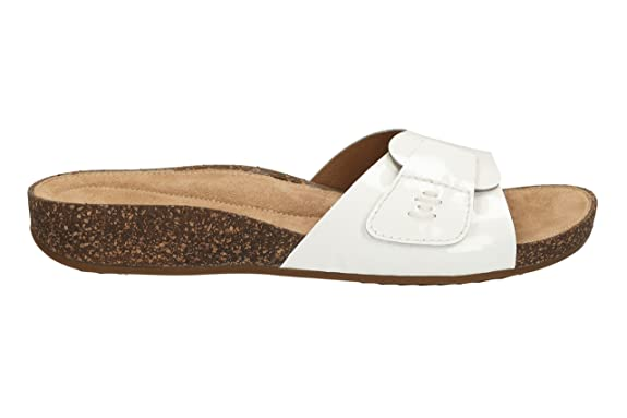 db0862c86497 Clarks Ladies Perri Reef White Flat Sandals Size 8  Amazon.co.uk  Shoes    Bags