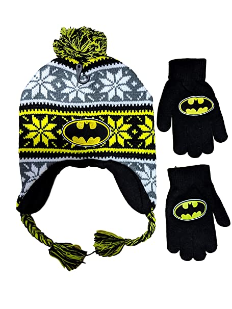 5237f3bd48e Amazon.com  DC Comics Batman Beanie Hat and Gloves Set (Multi (Laplander))   Clothing