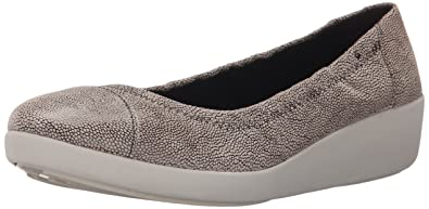 3c62c9876 FitFlop Women s F-Pop Ballerina (Leather) Flat Stone Pebble Print 11 M