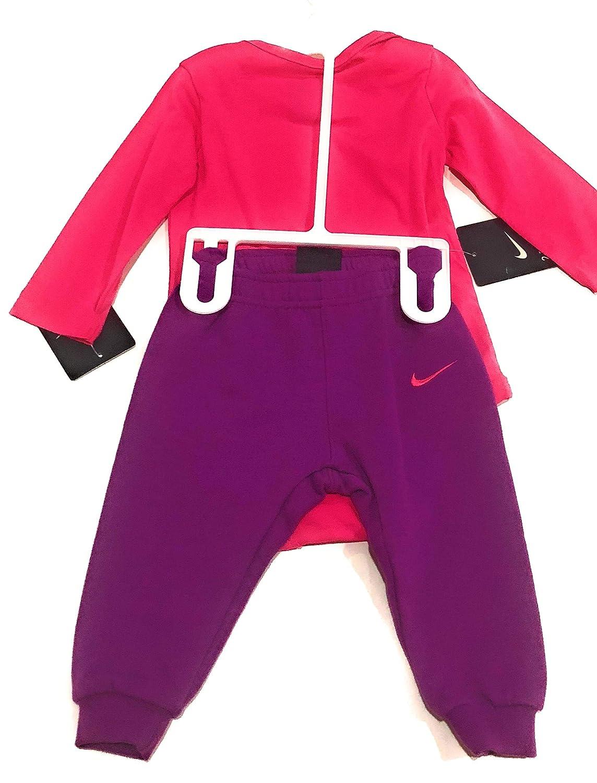 4e47e3f71 Amazon.com: Nike Newborn Girls' Pure Talent Bodysuit Set 0-3 M: Clothing