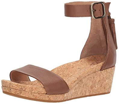 d36d0d94b426 UGG Women s Zoe Wedge Sandal Chestnut 6 ...
