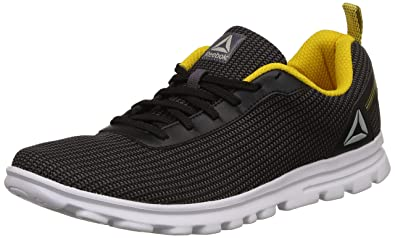 19bb3a4ae8b5 Reebok Men s Sweep Runner Lp Running Shoes  Buy Online at Low Prices ...