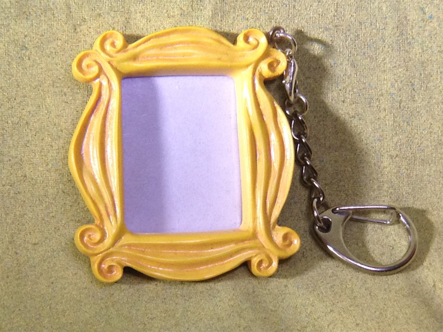 Friends Peephole Frame Necklace, Keychain Reel Art Friends-FrameNeck