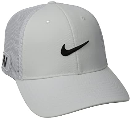 Amazon.com   Nike Tour Flex Fit Cap 40787e7ca3b