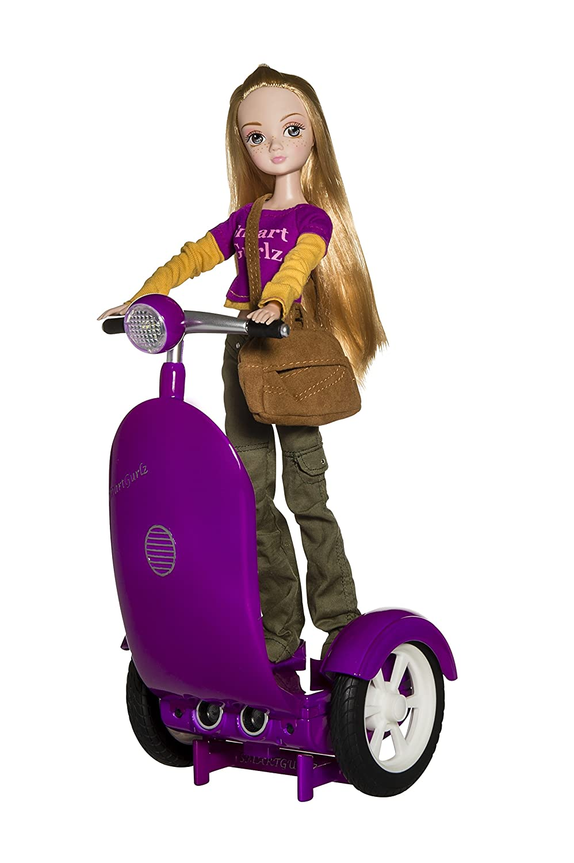 SmartGurlz Siggy Juguete de programación para niñas, muñeca Moderna y Patinete para la muñeca controlado Mediante una aplicación (Idioma español no garantizado), Ideal para niñas de 6 a 9 años