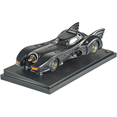 Hot Wheels Collector Batman Returns Batmobile Die-cast Vehicle (1:18 Scale): Toys & Games