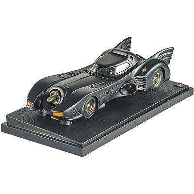 Hot Wheels Collector Batman Returns Batmobile Die-cast Vehicle (1:18 Scale): Toys & Games
