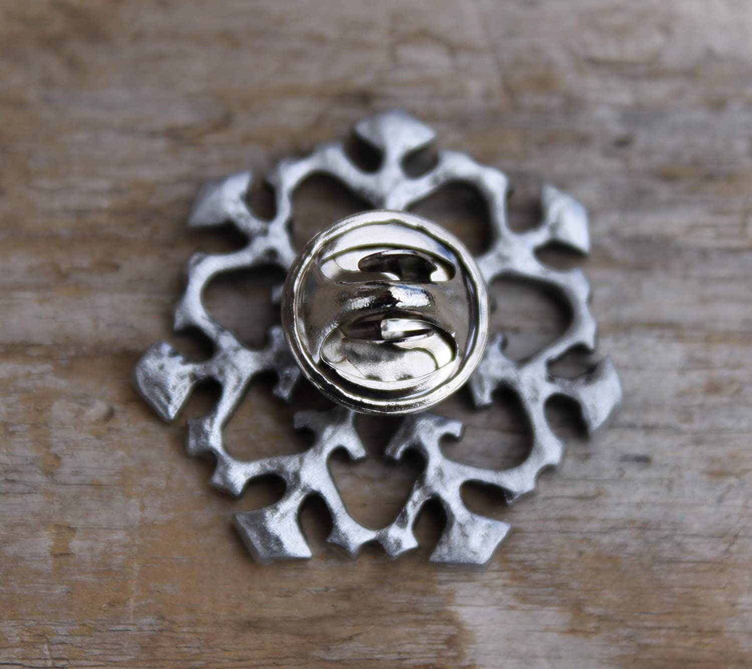 Hastings Pewter Company Lead Free Pewter Snowflake Pin lapel pin tie tac hat pin jewelry