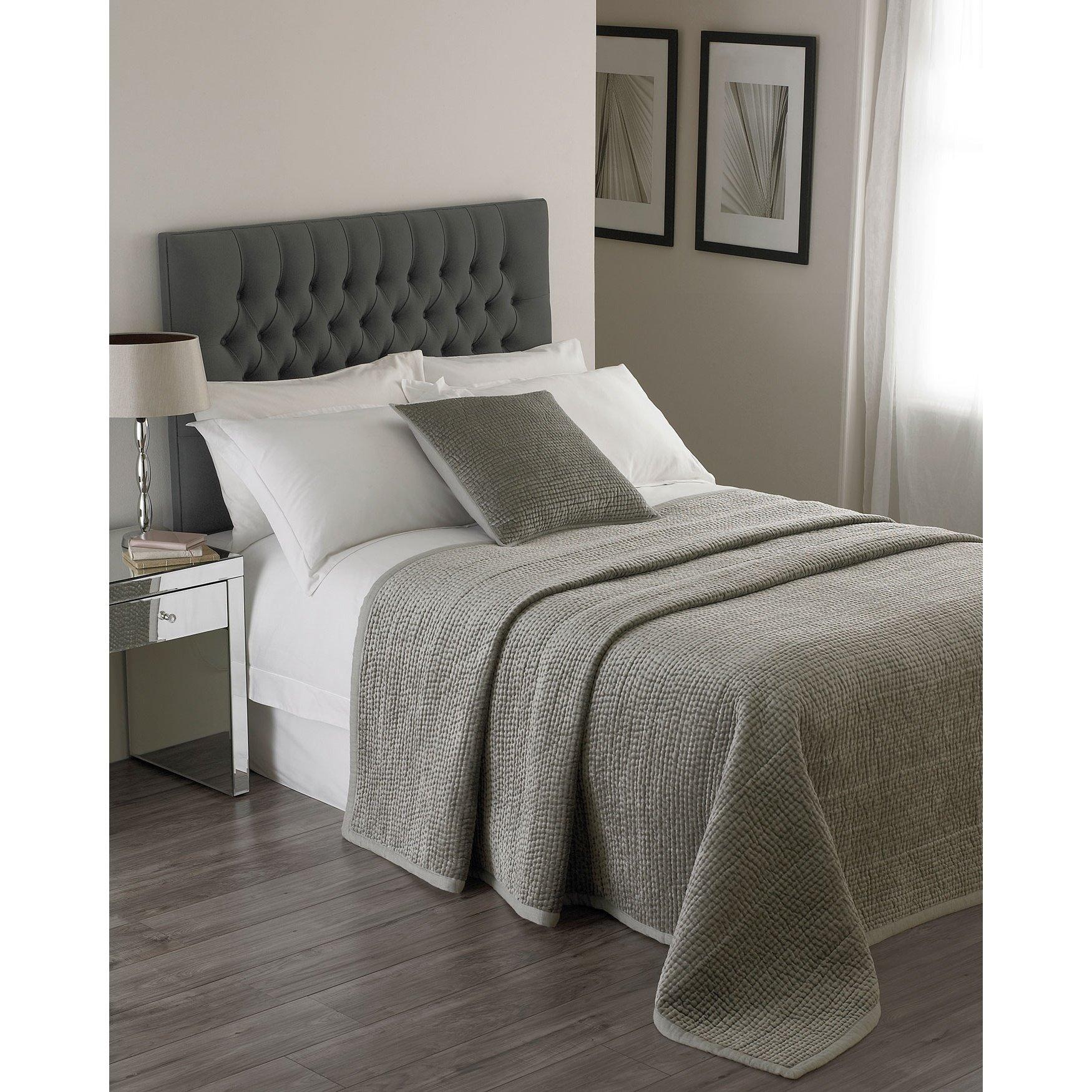 Riva Home Brooklands Bedspread (104 x 104 inch) (Silver)