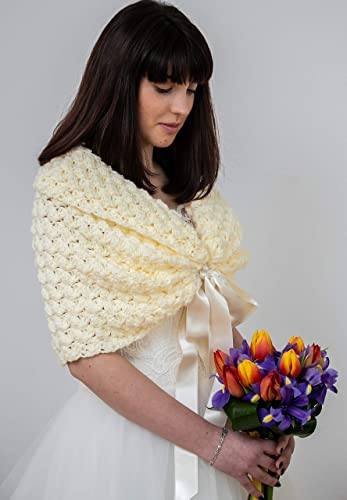 45cc702feb51a Amazon.com: Winter Wedding Shawl, Cream Wedding Cape, Bridal Bolero ...