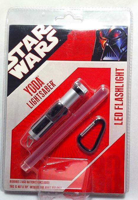 Amazon.com: Yoda de Star Wars Lightsaber linterna LED: Home ...