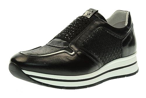 Nero Giardini Scarpe Donna Sneakers Senza Lacci P717231D 100 Taglia 40 Nero   Amazon.it  Scarpe e borse b871f708cbb