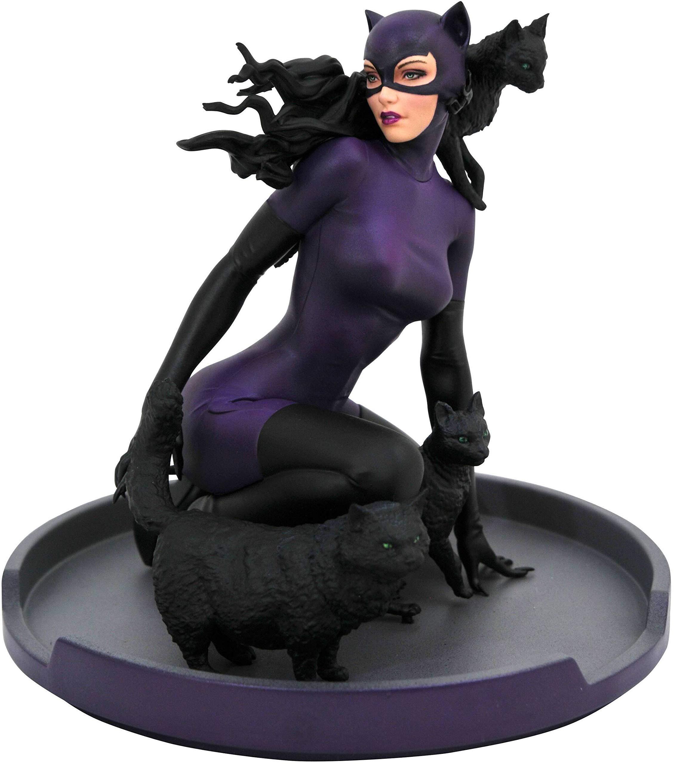DIAMOND SELECT TOYS DC Gallery: Catwoman PVC Figure, Multicolor