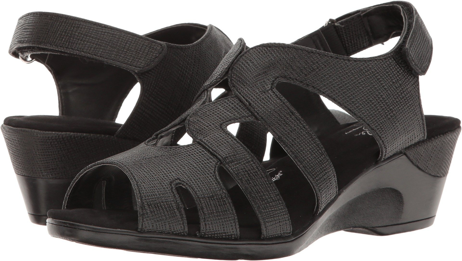 Soft Style by Hush Puppies Women's Patsie Wedge Sandal, Black Cambric, 7.5 N US
