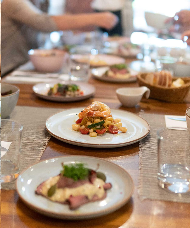 and Dishwasher Safe Kitchen Porcelain Dish 7.8 in Microwave Small Dinner etc Plate Scratch Resistant Appetizer The Dessert Mora Ceramic Plates Set Assorted Colors Salad Set of 6 Oven