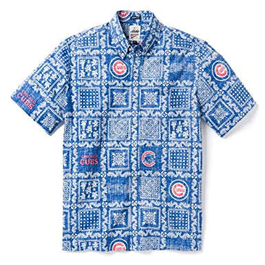 3dc61dbbb2d Reyn Spooner Men s Chicago Cubs MLB Classic Fit Hawaiian Shirt at Amazon Men s  Clothing store