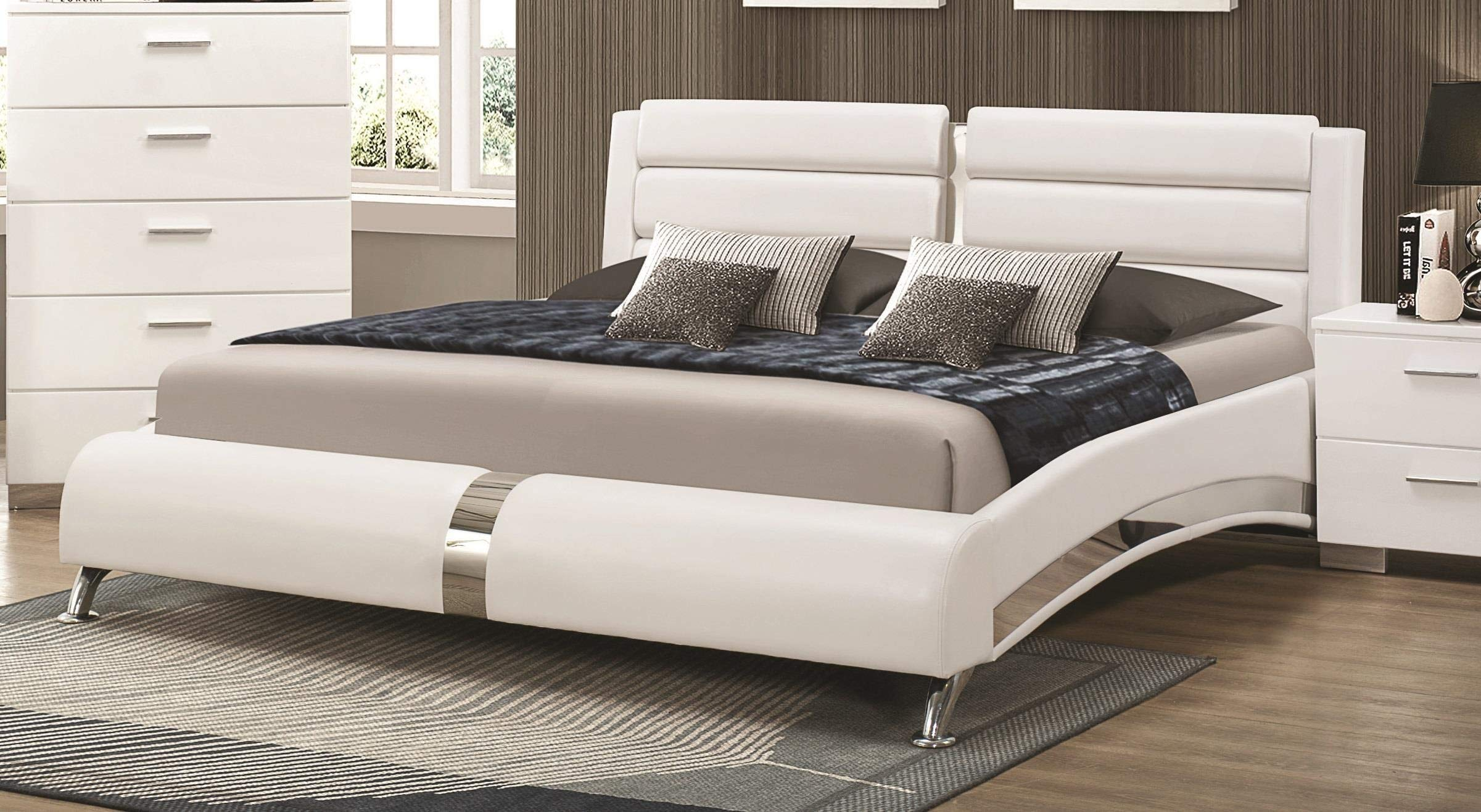 Coaster Eastern King Bed, Glossy White by Coaster Home Furnishings
