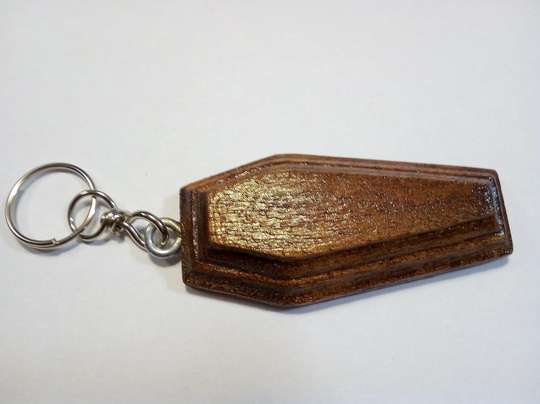 Originale portachiavi in legno interamente realizzato a mano a forma di bara color noce scuro
