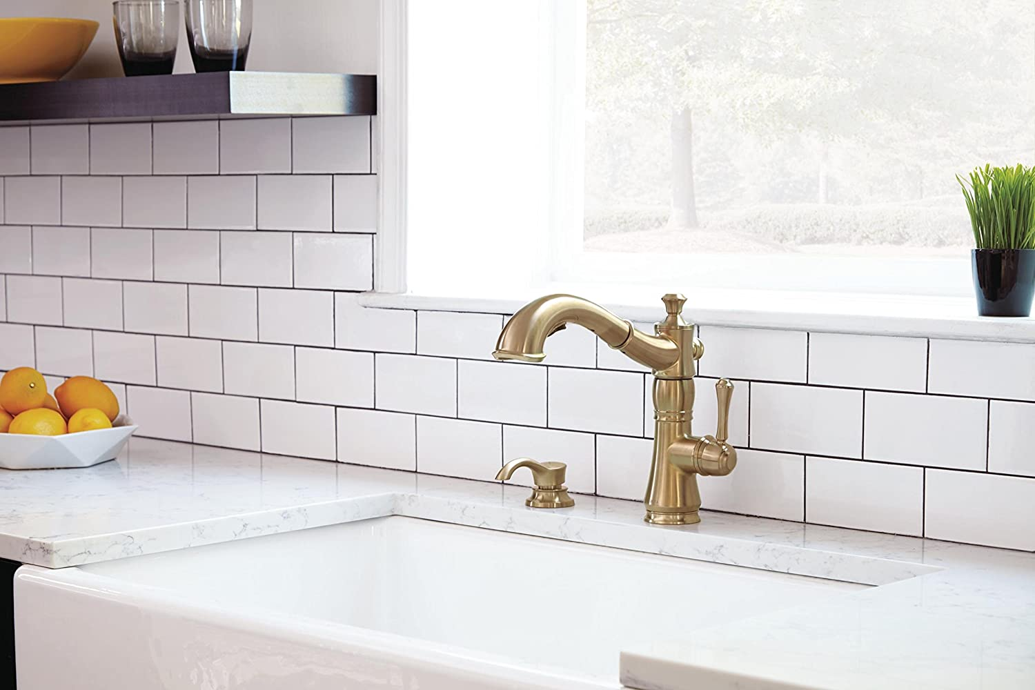 Delta Faucet 4197-CZ-DST Cassidy Single Handle Pull-Out Kitchen ...
