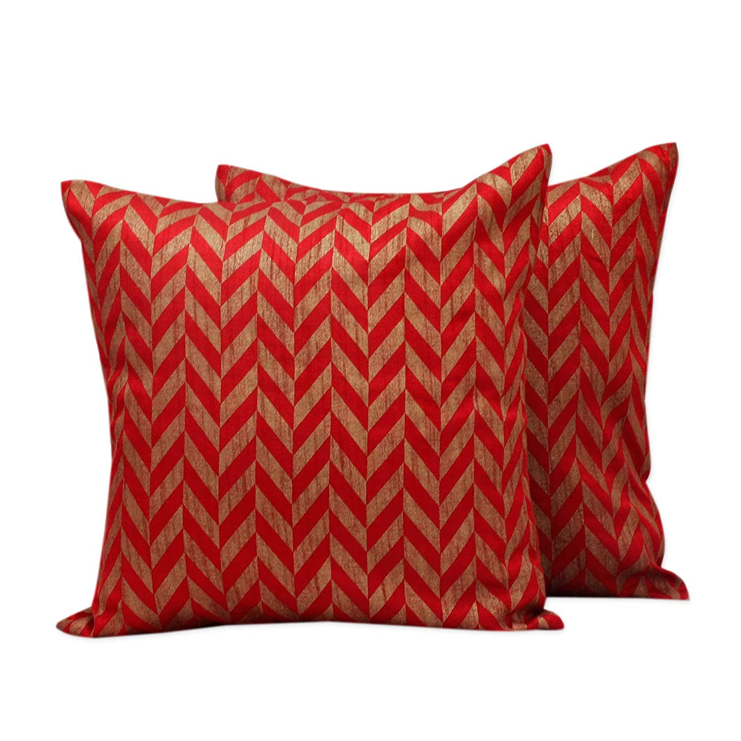 NOVICA Green and Beige Recycled Natural Duality Jute and Cotton Cushion Cover