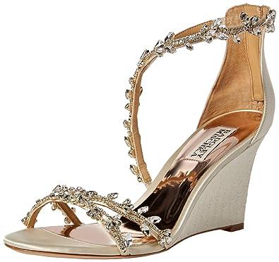 f7aa7ac6faf Amazon.com  Badgley Mischka Women s Feather Wedge Sandal  Shoes