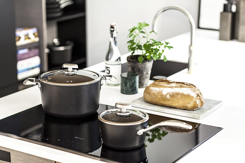 Scanpan PRO IQ Nonstick Covered Saucepan 1.6 quart Black 68231800