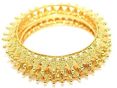 e50025d0d Soni Sun Designer Kada 23 Karat 2 Pair Gold Plated Traditional Bridal Jewellery  Bangles for Women (2.2)  Amazon.in  Jewellery