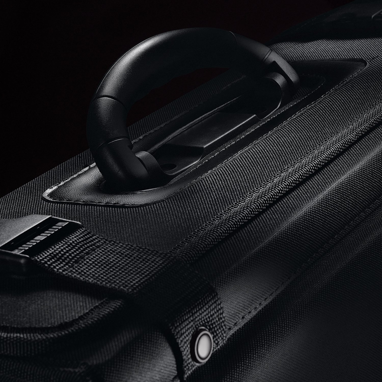 Solo Classic 16 Inch Laptop Catalog Case, Black by SOLO (Image #5)