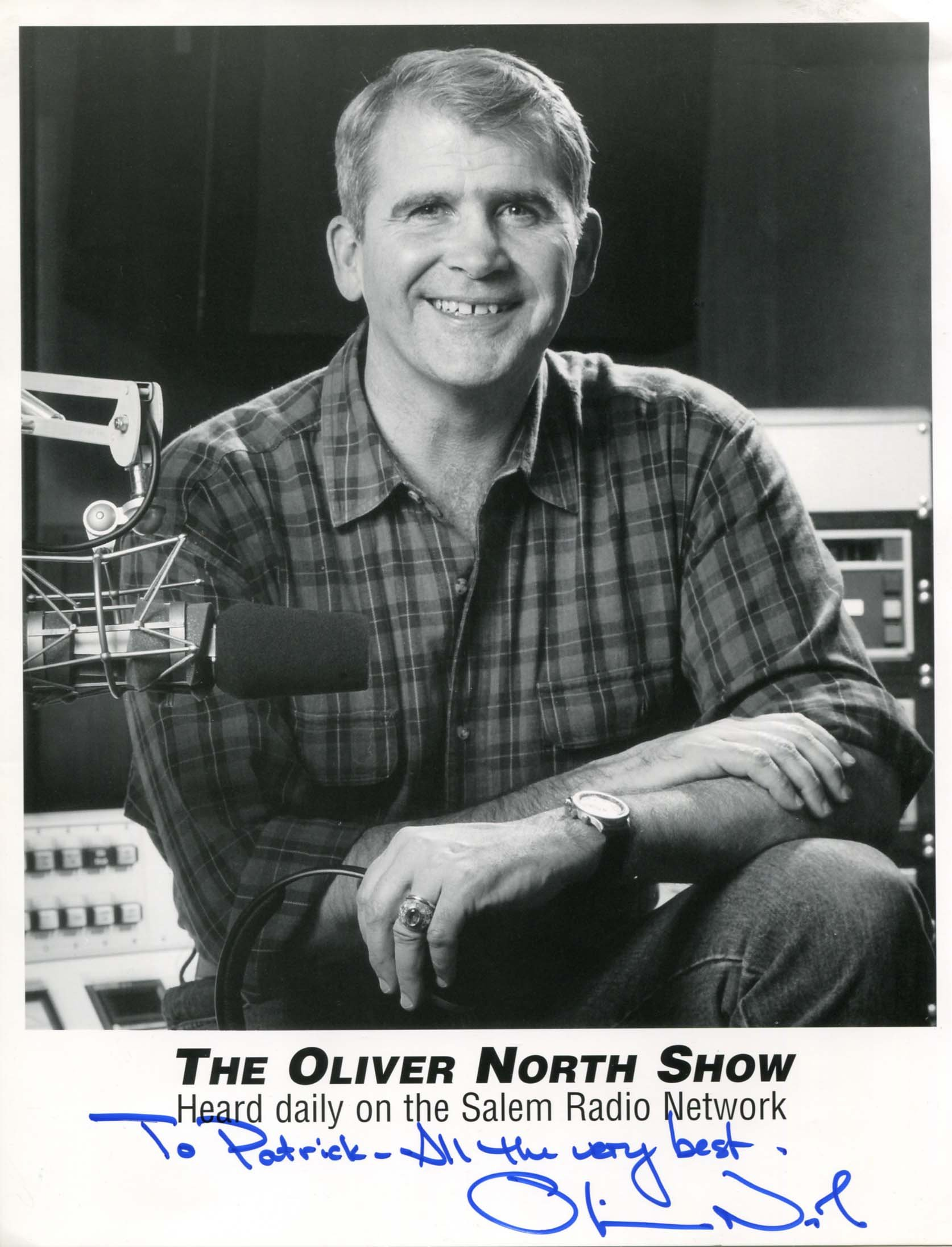 IRAN CONTRA AFFAIR Oliver North autograph, signed photo