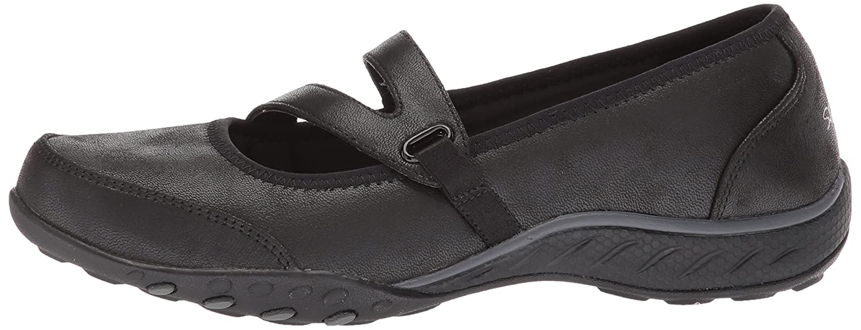 Skechers Women's Breathe Easy Calmly Sneaker B072Z8P3CC 8 B(M) US|Black