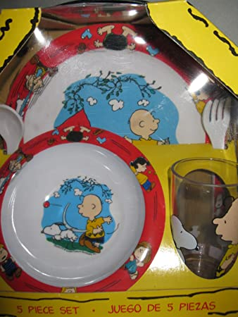 Trudeau Peanuts Snoopy and Friends 5 Piece Dinnerware Set