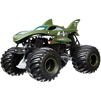 Hot Wheels Monster Jam Shark Shock Die-Cast Vehicle 1:24 Scale: Toys & Games