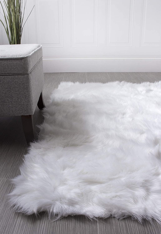 Super Area Rugs Soft Faux Fur Sheepskin Shag Silky Rug Baby Nursery Childrens Room Rug Ivory White