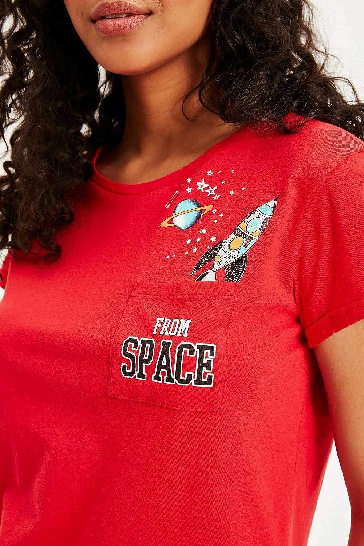 8d9d774211046 DeFacto Kadın Tişört Uzay Figürlü Baskılı Kısa Kollu T-shirt, Kırmızı, X-S  (Üretici ölçüsü: XS): Amazon.com.tr
