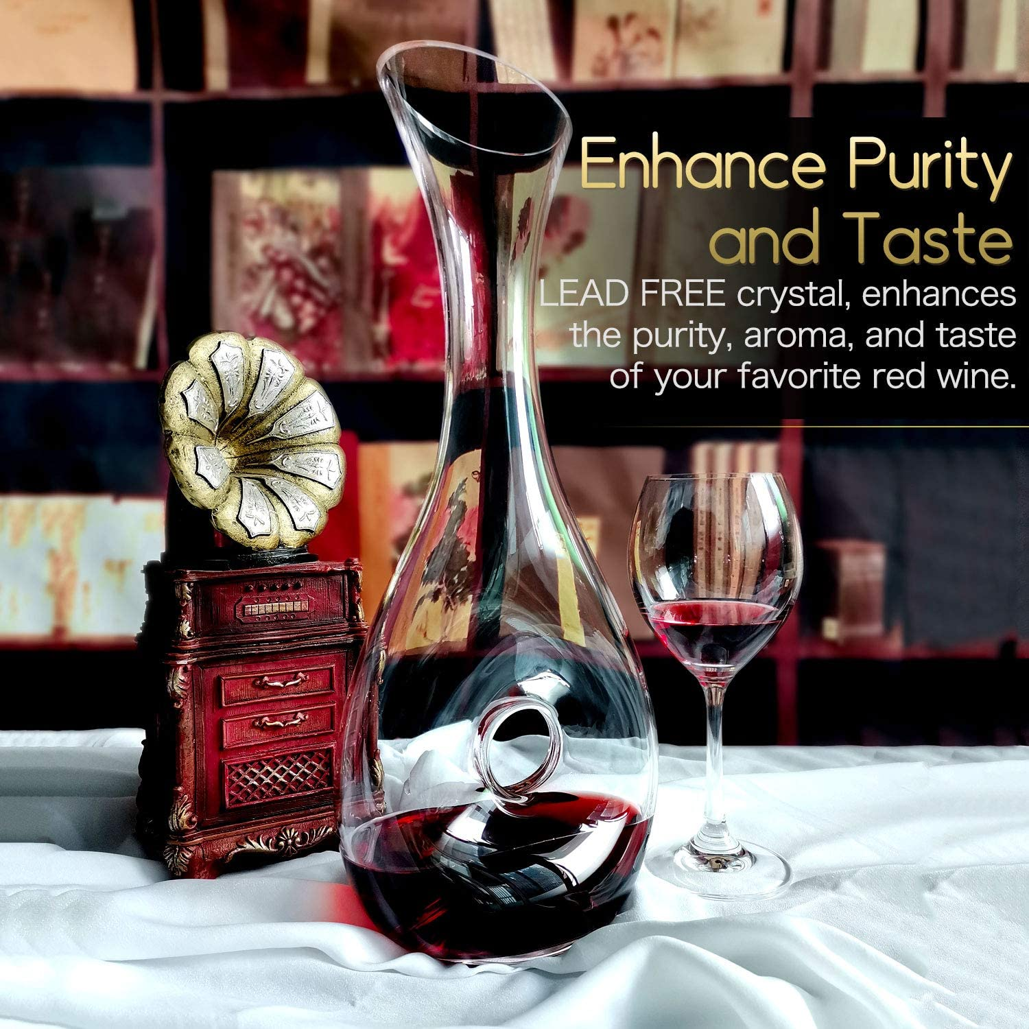 1.2L Clear Decanter Carafe for Wine with Cleaning Brush Hand Blown Lead-Free Crystal Snail Shaped Wine Decanter Accessories Wine Gift Set for Wine Lovers