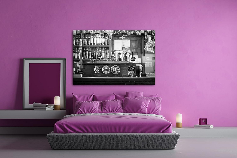 Deyoli Theke in Einer Irischen Bar Effekt  Schwarz Schwarz Schwarz Weiß Format  120x80 als Leinwandbild, Motiv fertig gerahmt auf Echtholzrahmen, Hochwertiger Digitaldruck mit Rahmen, Kein Poster oder Plakat dfc136