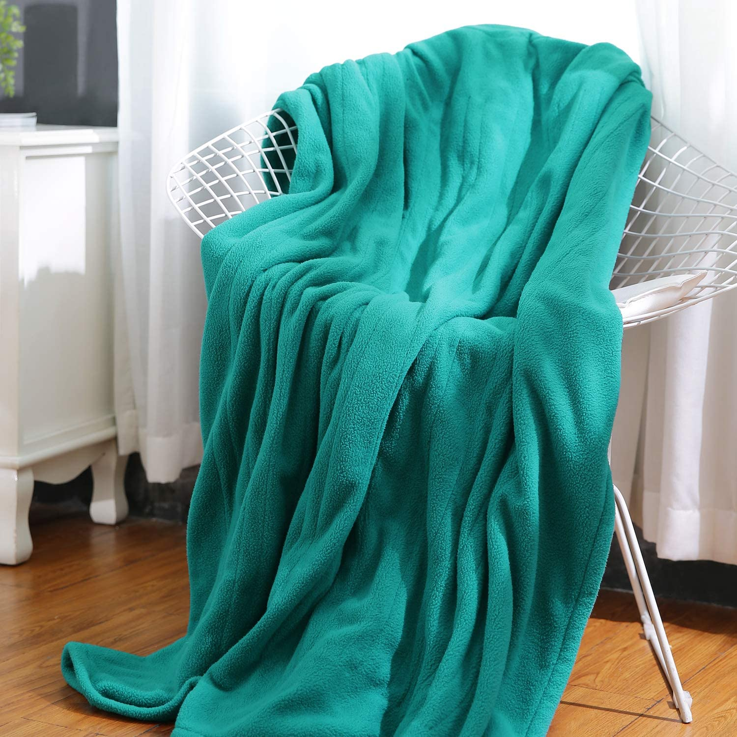 MaxKare Electric Heated Throw Blanket Polar Fleece 50'' x 60'' Lightweight Cozy Ultra-Warm Premium Microfiber Snap Lap Blankets with Auto-Off 4 Heating Levels - Lake Green