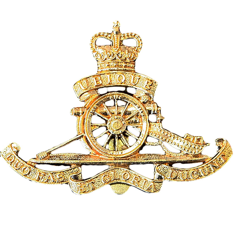 222dcc501ccbf Royal Artillery issue Cap Beret Badge  Amazon.co.uk  Clothing