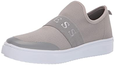 fotos nuevas grande descuento venta diseño encantador GUESS Womens Some Sneaker: Amazon.ca: Shoes & Handbags