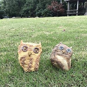 Gishima Resin Stone-Like Owl Figurines Garden Statues Outdoor Decorative Figurines (Set of 2)
