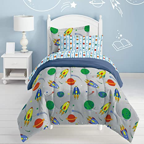 Twin size rocket-ship quilt